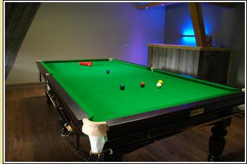 Snookertisch aus eigener Produktion